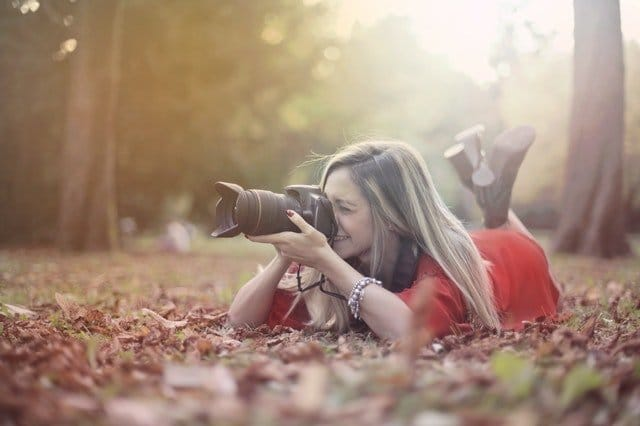 Read more about the article The Best Canon Cameras Under $1000 (Top 5 Reviewed)