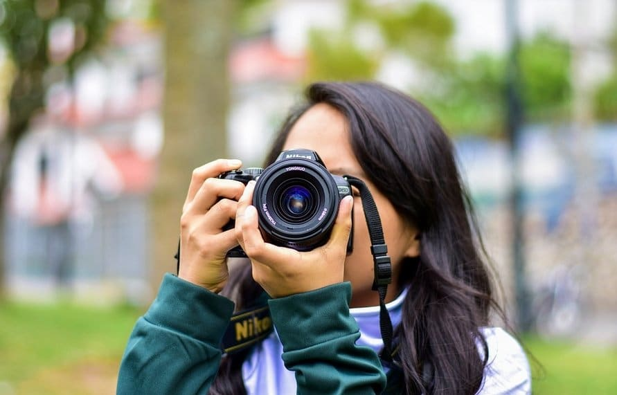 Read more about the article The Absolute Best Mirrorless Cameras Under $500 Reviewed
